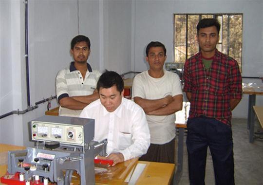 巴基斯坦客户合作PVC包装袋热合机项目