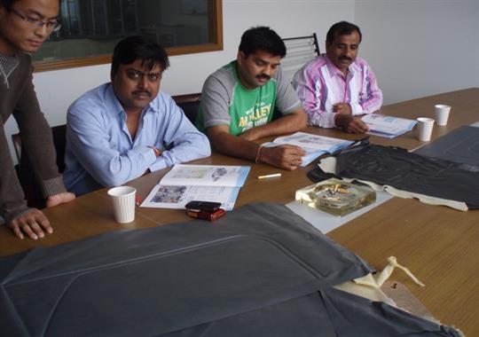 印度Tata合作汽车门板热合机项目