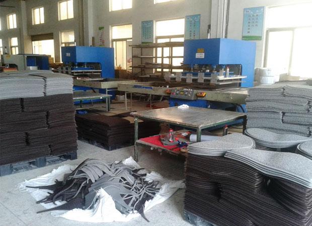 地毯热合机  (江阴新威塑胶工厂)